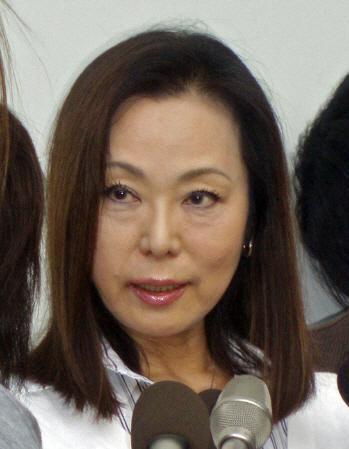紀子 藤田 藤田紀子のボトックス整形が見苦しい。二重瞼も埋もれてるし
