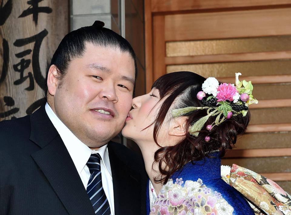 小泉エリ 周囲に隠し7年交際/芸能/デイリースポーツ online