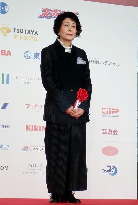 白川和子、田中絹代賞に「足が震...