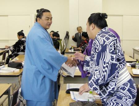 蒼国来が力士会出席「戻ってきました」/大相撲/デイリースポーツ online